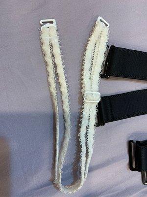 Qmomo 肩帶 蕾絲 鍊條