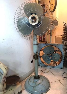 台灣    順風牌     老立扇 老 電風扇 老 電扇 早期電風扇 早期電扇     可調角度    2節