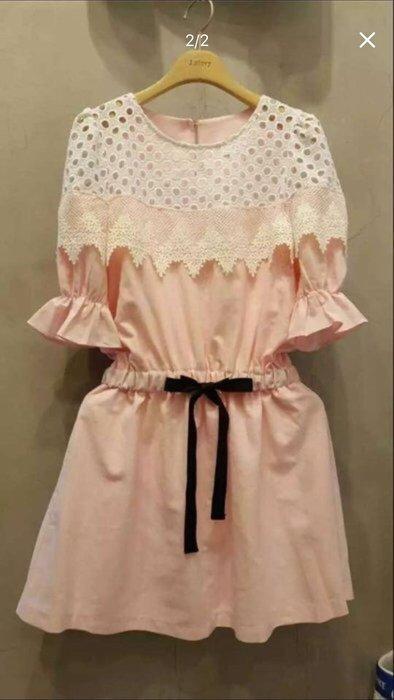 轉賣二手正韓貨 拼接蕾絲粉色洋裝 ,甜美縷空燒花刺繡蕾絲拼接鬆緊縮腰棉質洋裝