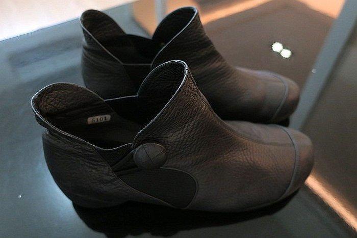 *Beauty*日本Niveole黑色皮革釦子踝靴23.5號