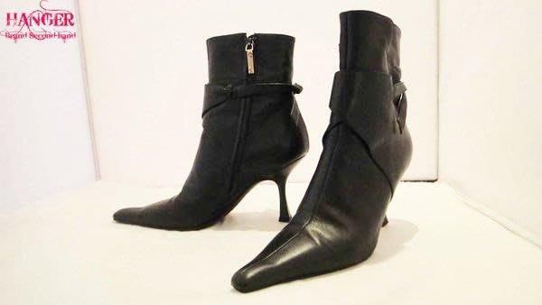衣架二手名牌(南西店)【真品VERSACE黑色後綁設計高跟短靴~風情萬種系列款】八成八新(2463)