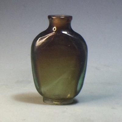 【采芝齋】早期收藏 清代 茶末綠色漸層琉璃 鼻煙壺