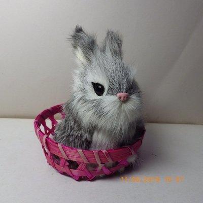 紫晶宮***單隻兔子高11.5cm灰白色竹籃***品質保證價格便宜