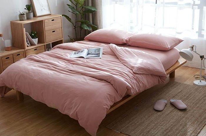 純棉親膚裸睡專用床包組(鮑魚粉) 床包 床單 枕頭套 枕頭 床 棉被 被套 寢具 裸睡 純棉 床包組 拖鞋 室內拖鞋