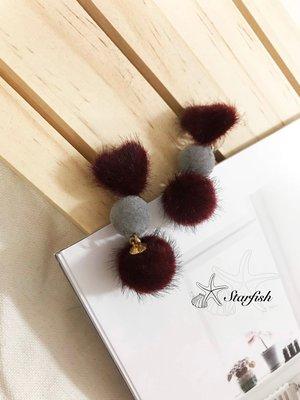 【海星 Starfish】兩戴式 愛心垂墜式毛球耳環(深紅色)