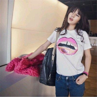 =EZZ=早班車 6329韓國 首爾時尚精品 東大門同步上新 新款紅唇寬鬆款式短袖大碼T恤衫女潮T
