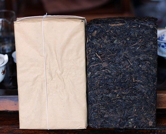 茯磚 黑茶 [明海園] 2006 年  金花茯磚 1公斤