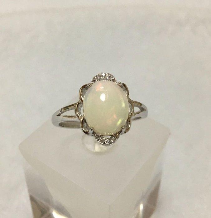 珍奇翡翠珠寶首飾-天然水晶蛋白石1.65克拉,無燒無處理,繽紛火彩,乾淨透美,圓潤澎蛋面,搭配銀k金高雅戒台,活圍