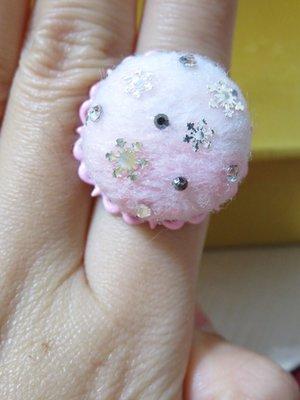 純手作 ~~可調式粉色戒指—羊毛氈水鑽雪花款~~♡TUNG手作卡片、飾品♡~~