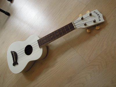 台南嘉軒樂器 美國名牌MAKALA 21吋烏克麗麗 付海豚厚琴袋 調音器 教本 PICK 門市17週年專案
