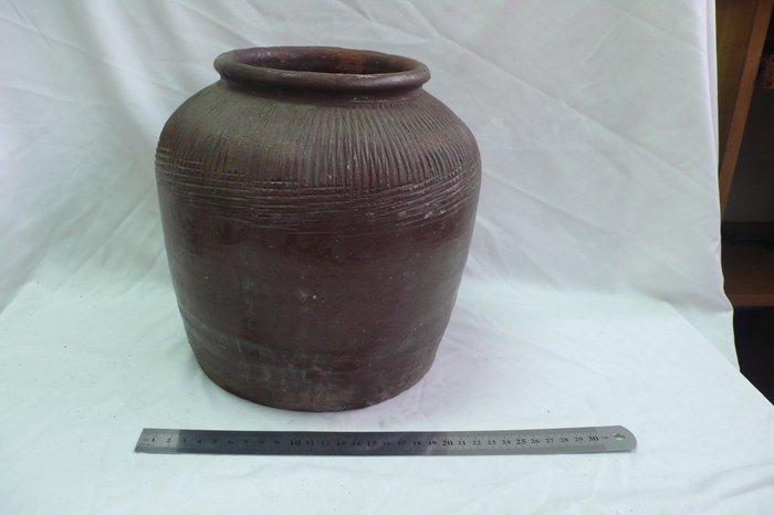 紫色小館-------棌燒陶甕