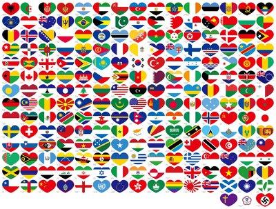 """世界國旗""""愛心型""""登機箱貼紙75張。25國,每個國家3張。"""