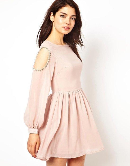 現貨UK8 英國品牌Rare 裸粉色雪紡材質露肩挖洞珍珠邊飾傘狀裙襬法式洋裝禮服 原兩千多