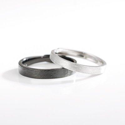 情侶戒指女男一對純銀學生簡約素圈褪色黑白銀對戒開口可調節刻字情侶對戒 未戒 925銀 戒環 結婚戒指