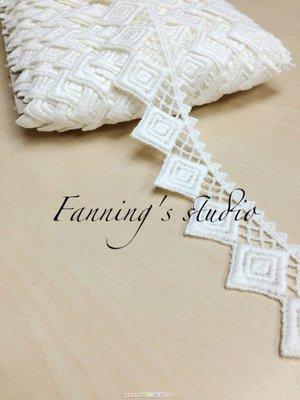【芬妮卡Fanning服飾材料工坊】圖騰雙層方格蕾絲 高3.5cm 1碼入