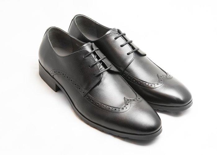 超值系列翼紋雕花德比鞋:小牛皮真皮木跟皮鞋男鞋-黑色-免運費-[LMdH直營線上商店]E1A13-99