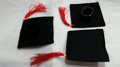 P79~~12吋(9.5公分寬)學士帽--40公分玩偶配戴