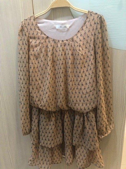 小花別針、百貨專櫃【non stop】雪紡藕粉色短袖洋裝