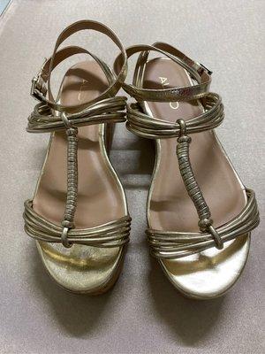 ALDO/金色楔型涼鞋/金色涼鞋/高跟鞋