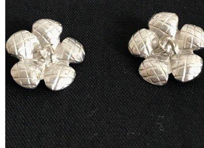 Chanel真品925純銀菱格紋花朵耳環