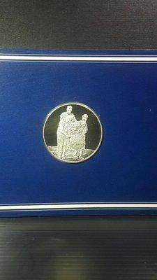 日本職棒 王貞治 756號全壘打世界新紀錄 1977/ 9/ 3 紀念銀幣 直徑比50元硬幣略大 雲林縣