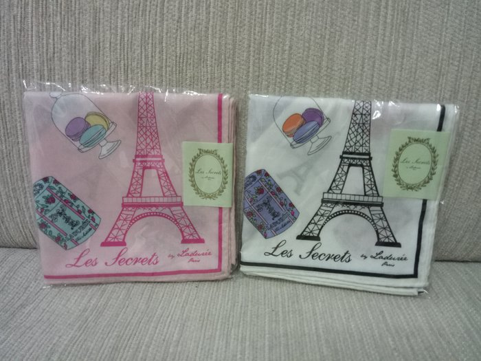 天使熊雜貨小舖~Les secrets LADUREE方巾 領巾 綿100% 日本製 現貨:白、粉色2款  全新現貨