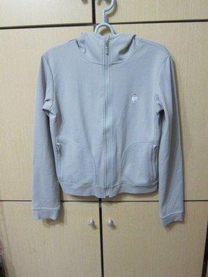 衣市藍~le coq sportif 連帽運動外套 (L~胸84-88~身長162-168~七成新~) (191120)