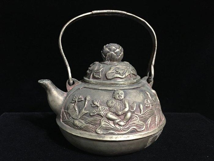 *藏雅軒*早期收藏-手工鎏銀製品-擺件觀賞壺-蓮荷錦鯉壺