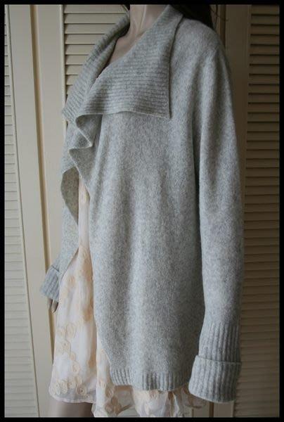 【MaxMara】灰白色不規則大翻領安哥拉小羊毛oversize外套
