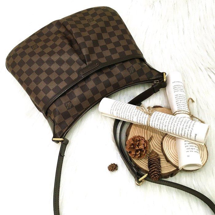 二手旗艦 LV N42251 咖啡格 前皺褶 前夾層 上拉鍊 斜背包 肩背包 背帶可調長短 (公益店)23801
