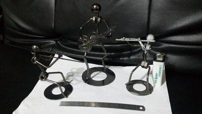 銘馨易拍重生網 TT1 早期 金屬製 藝術音樂家創作 擺飾 保存現況如圖 (三個一標)特價標售
