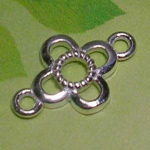 琥珀貓~【925純銀材料配件】連結配件~N9365~四瓣花~一個