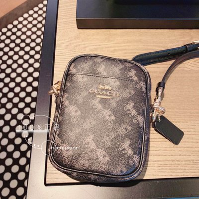 折扣款 全新正品 COACH 91108 PHOEBE CROSSBODY 黑色馬車老花帆布 手機包 各大品牌都有推出