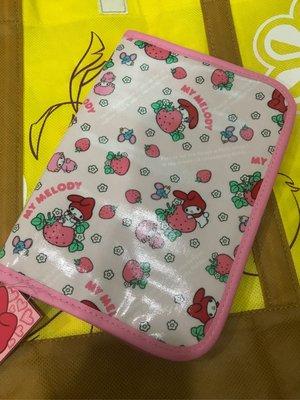 *凱西小舖*日本進口三麗歐正版MELODY美樂蒂 草莓系列 萬用收納 證件 存摺 護照包