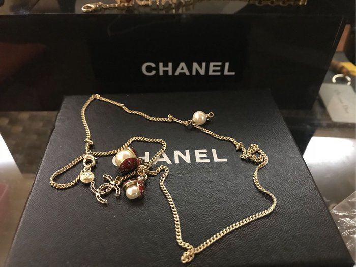 Chanel香奈兒二手瓢蟲珍珠項鍊。