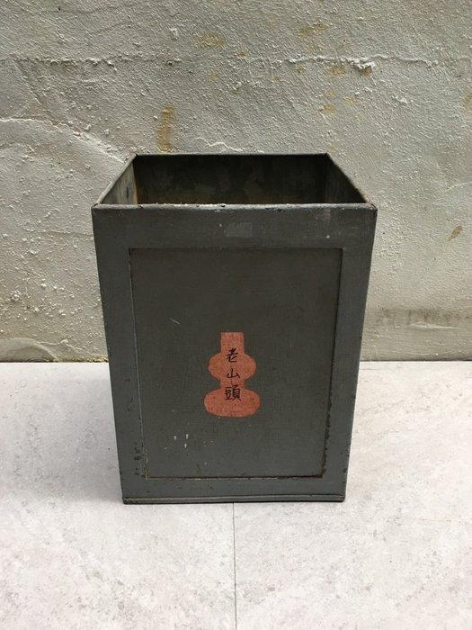 早期馬口鐵筒 老山頭檀香粉鐵桶 老品 (無蓋)