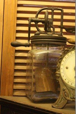 ZAKKA糖果臘腸鄉村雜貨坊   懷舊古物類.歐洲古董奶油攪拌機.美國老件古董攪拌器(古董收藏博物館會場佈置鄉村布娃娃)