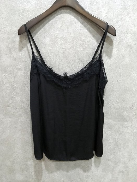 Maple麋鹿小舖 Hollister Co * HCO  黑色細肩帶蕾絲上衣 * ( 現貨S號 )