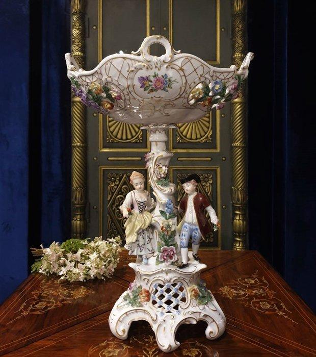 ⚜️ 皇家之門 . 歐洲古董 ⚜️德國 德勒斯登  Dresden  全手工  全手繪  瓷花  瓷雕  B565 ✬