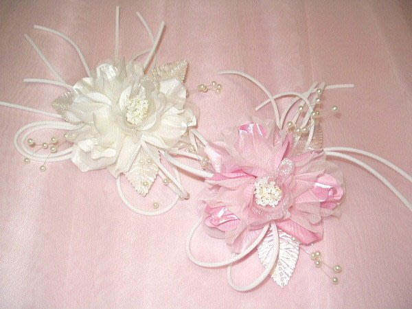 B. & W. world *美美的花飾*R13122*白色、粉色日紗含苞玫瑰兩用花飾**柔情蜜意**婚紗攝影**