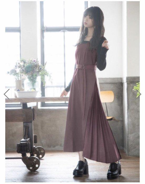 預購 日本 優雅肩膀不對稱設計 裙側百褶 附同材質腰帶長洋裝 洋裝