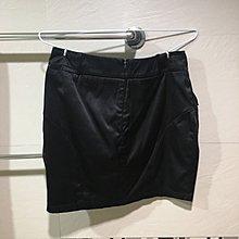 WEALTH HONOR 黑色短裙。S碼