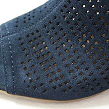 =86號店=~美國SONOMA Vitalize by Ortholite 全真皮 鏤空魚嘴設計 女粗跟真皮涼鞋藍色如圖