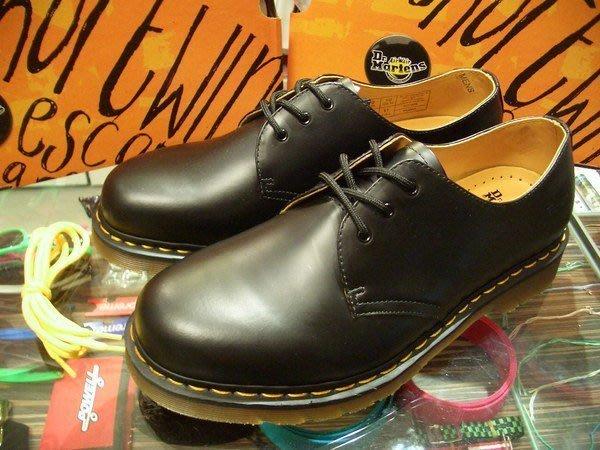{ POISON } Dr. Martens 3孔皮鞋式短靴 1461硬派經典 UK8 (US9)
