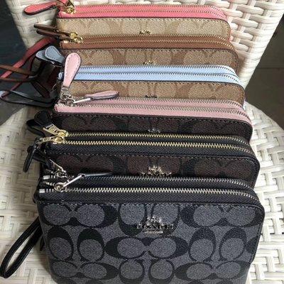 琪琪OUTLET代購 COACH 87591 新款女士經典印花小號雙層零錢包 手拿包 可放iPhone X 附代購憑證
