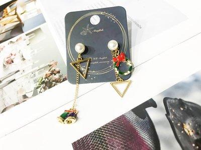 【海星 Starfish】聖誕花環垂墜式鈴鐺三角造型不對稱耳環