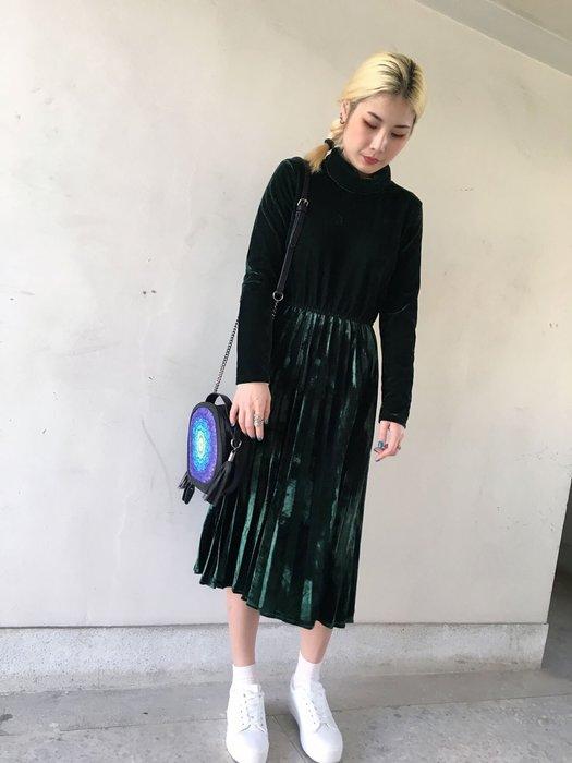 【鳳眼夫人】復古時尚 韓版金絲絨高領厚款經典純色合身百褶連身裙 百褶裙 女神洋裝