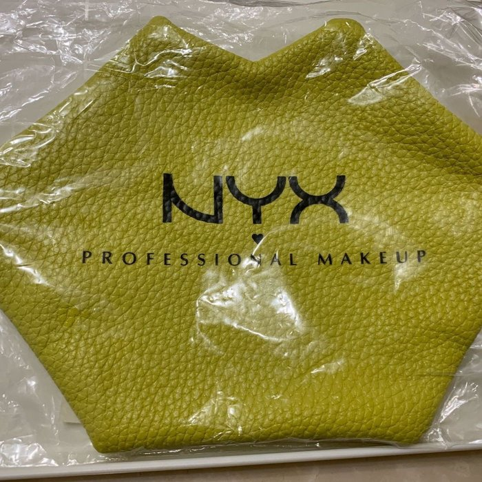 NYX 時尚造型嘴唇包