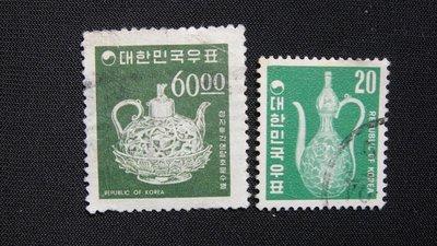 【大三元】韓國銷戳票- E102  古物-陶瓷器老票--2枚