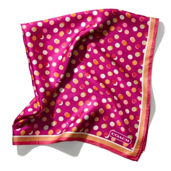 破盤清倉大降價!全新正品 COACH 桃紅色年輕款絲巾萬用巾大方巾,低價起標無底價!本商品免運費!